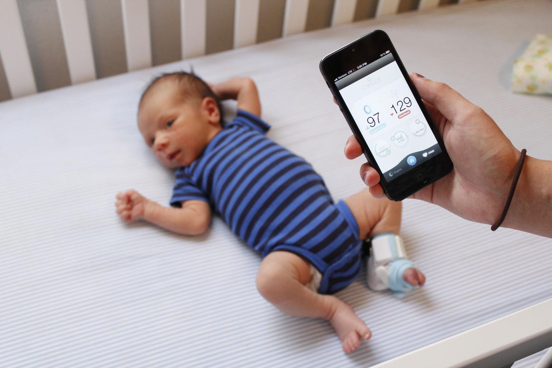 Pediatras contra os dispositivos eletrónicos  para vigiar a saúde dos bebés