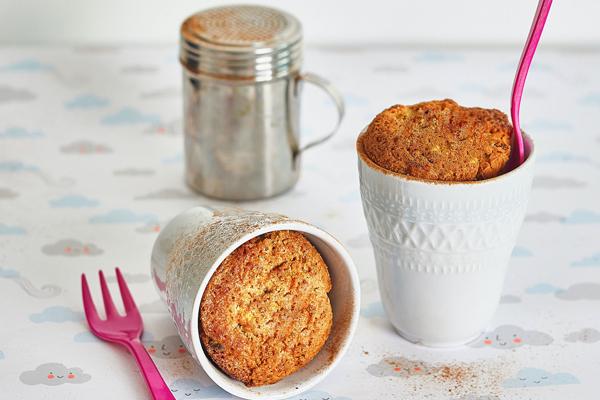 5 bolos de caneca saudáveis para fazer com as crianças