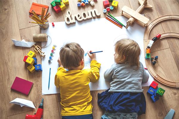 Governo disponível para tornar creches gratuitas para primeiro escalão