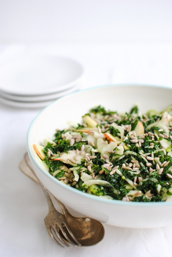 salada de kale massajada, funcho e maçã | massaged kale, fennel and apple salad