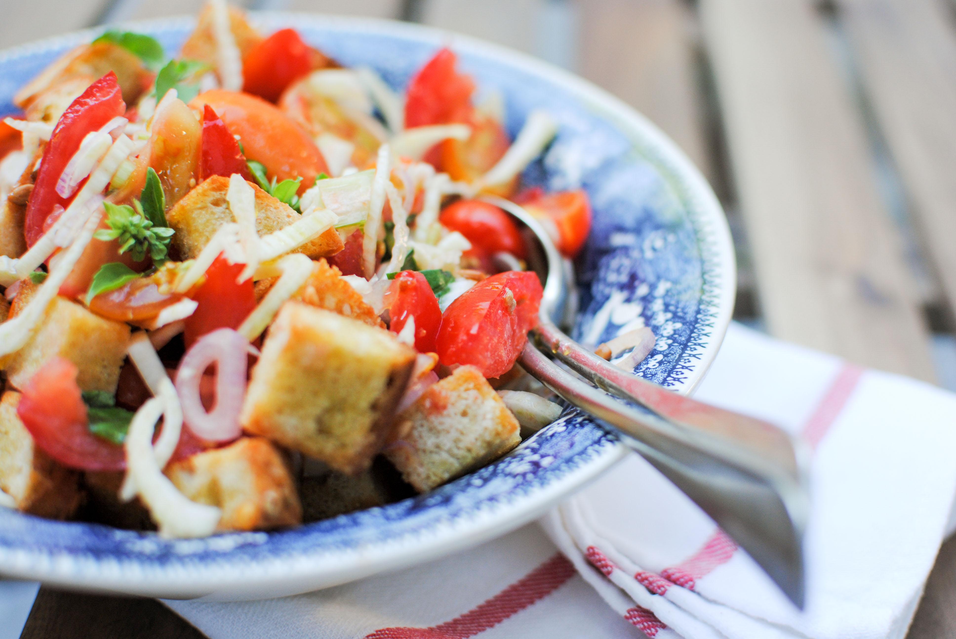 Panzanella de tomate e funcho