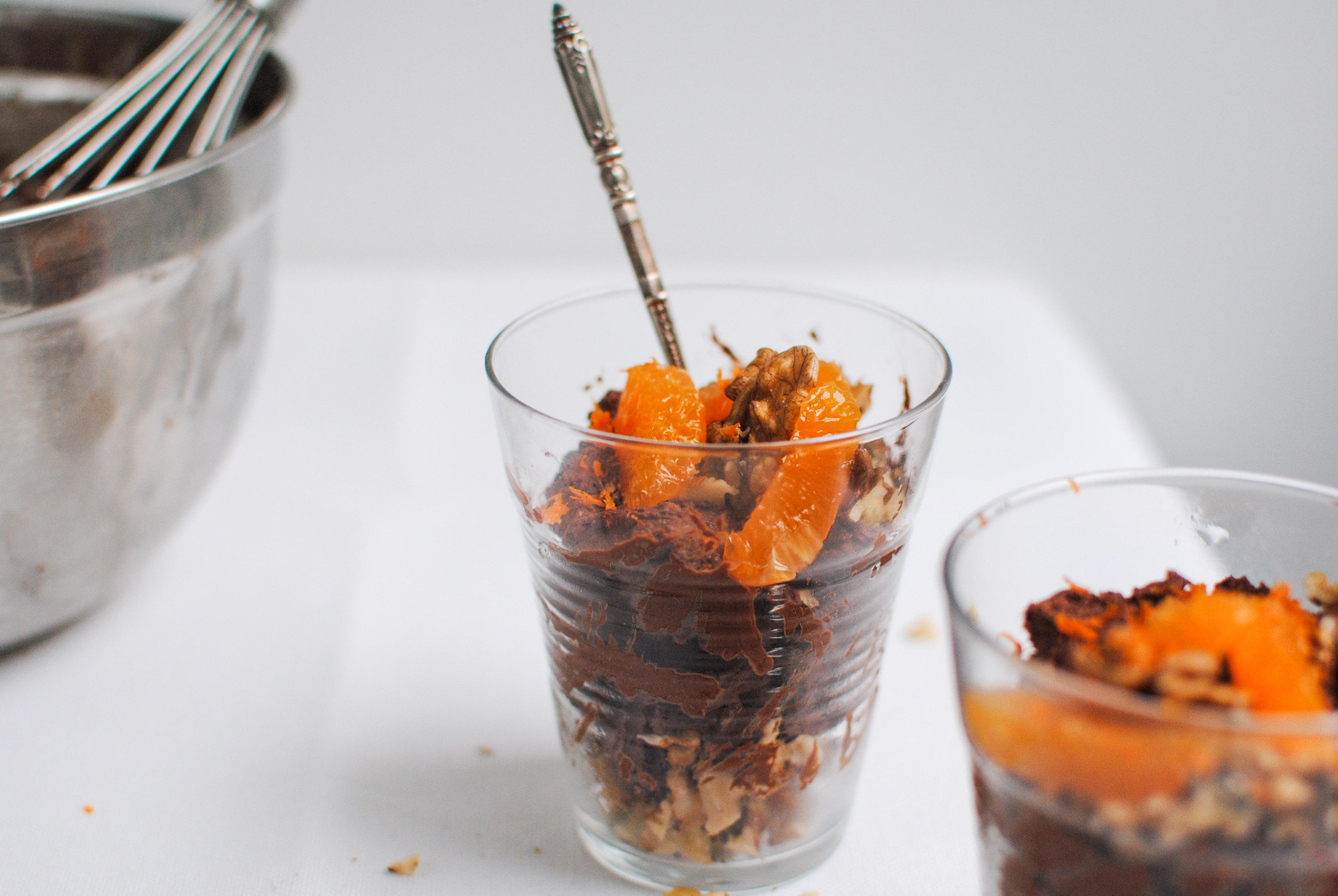 Mousse de Chocolate Mágica com tangerina e nozes