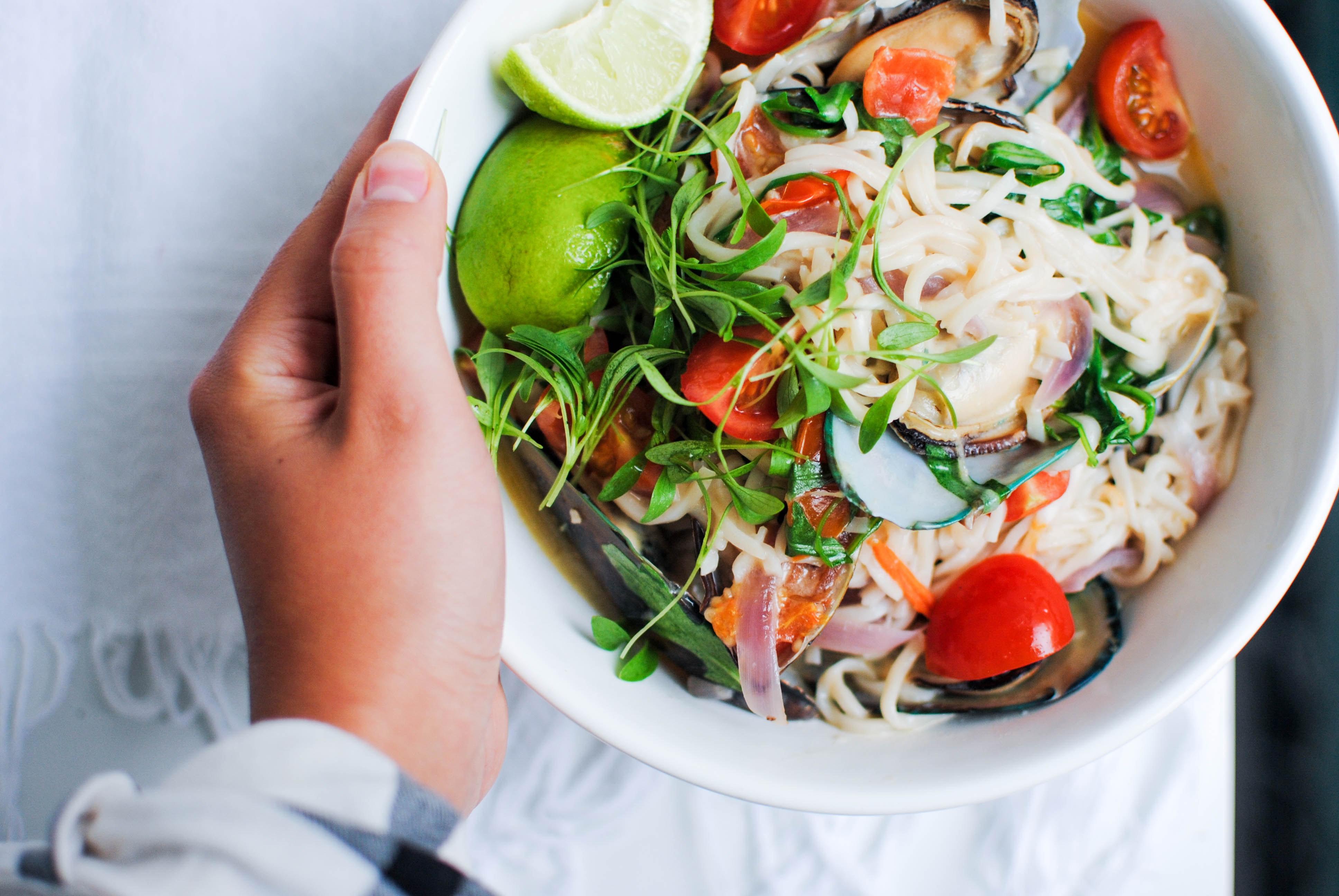Noodles com Mexilhões e Leite de Côco